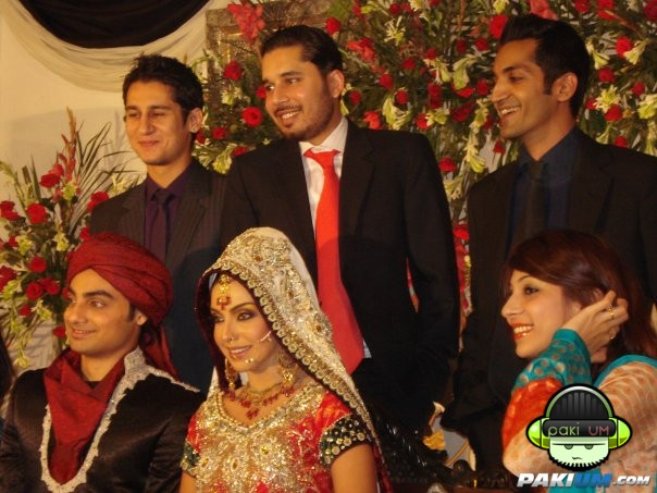 Actress & Model Eshita Mehboob Mehndi and wedding Pictures - | Pakium.