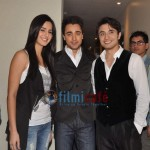 Ali-Zafar-with-Imran-Katrina-on-sets-of-Xfactor (12)