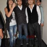 Ali-Zafar-with-Imran-Katrina-on-sets-of-Xfactor (15)
