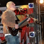 Ali Azmat Live at Beach View - 30Dec2011 (12)