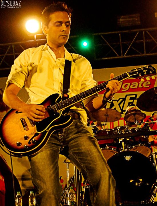 Strings Live at DHA Hockey Stadium, Karachi - 3rd February 2012 (11)