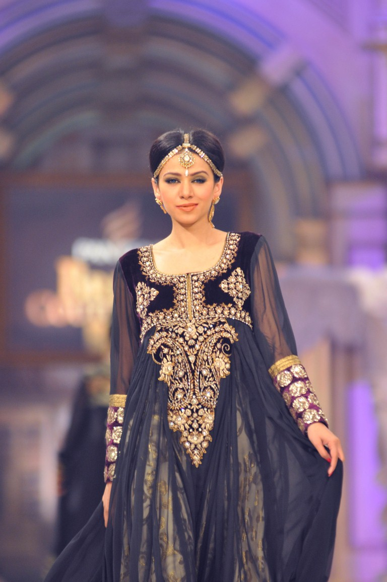 Shaista Wahidi Dresses Day 2: pantene bridal couture