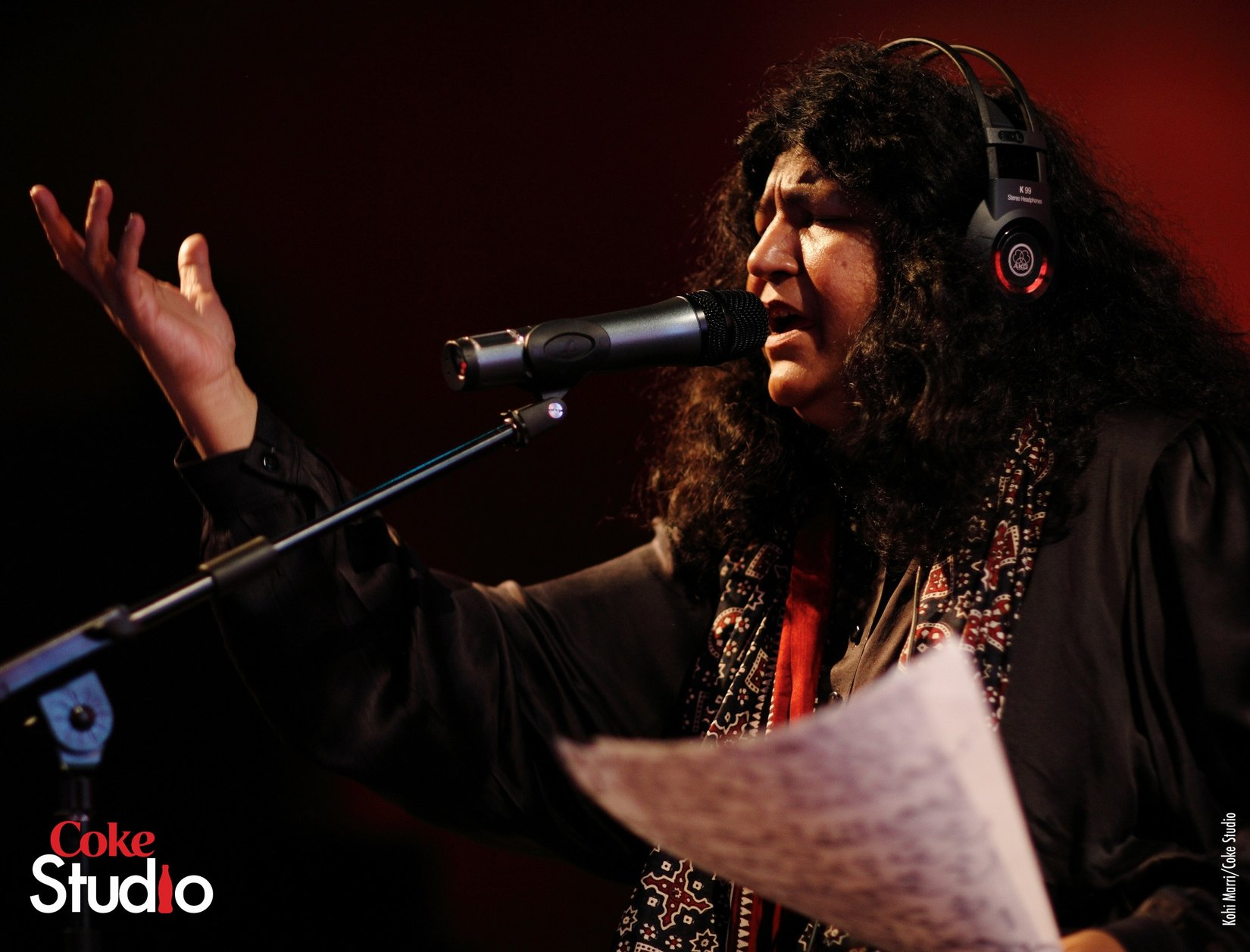 Abida Parveen Wins Lifetime Achievement Award in India