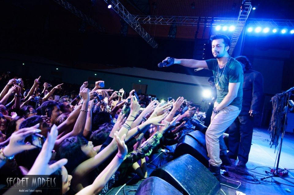 Atif Aslam Live in Mauritius on 23rd December 2012 (35)
