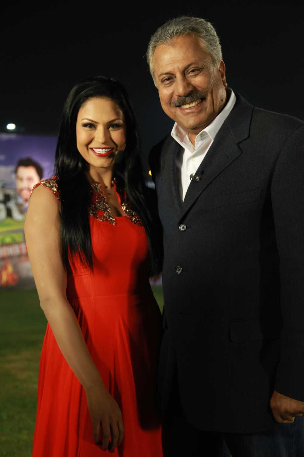 Veena Malik and Zaheer Abbas to present India Pakistan Live Match