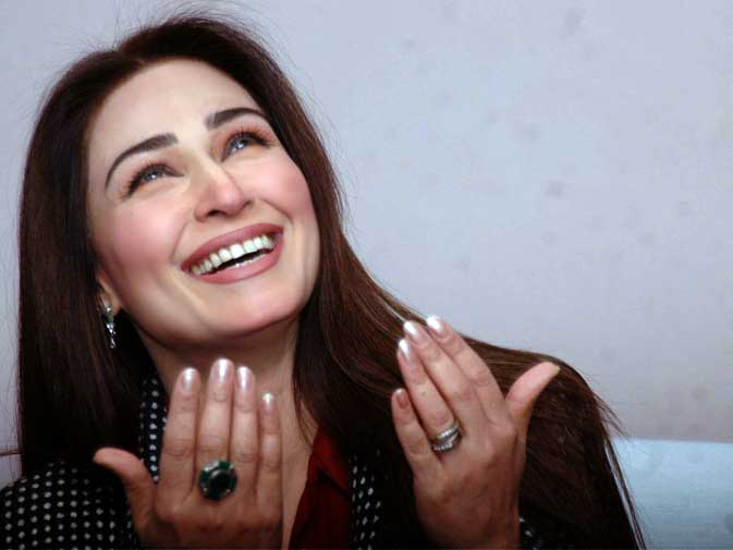 Reema Khan To Revive Pakistani Film Industry With Her Directional Skills