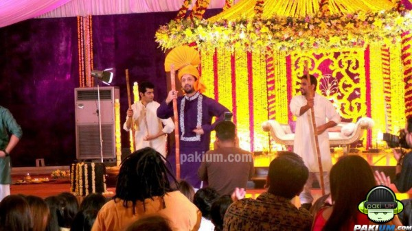 atif aslam dancing at his mehndi
