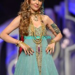 Nadia-Chotani-Bridal-Couture-Week-2013 (1)