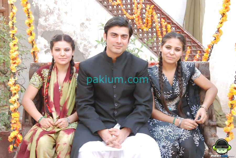 Watch Exclusive Pictures from the sets of Drama Serial DastaanFawad Khan And Mahira Khan New Drama 2013