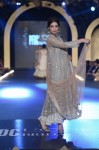 Misha-Lakhani-PFDC-Loreal-paris-bridal-week-2013-day-2 (10)