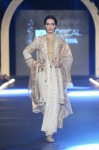 Misha-Lakhani-PFDC-Loreal-paris-bridal-week-2013-day-2 (18)