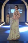 Misha-Lakhani-PFDC-Loreal-paris-bridal-week-2013-day-2 (5)