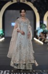 Nickie-nina-PFDC-Loreal-paris-bridal-week-2013-day-2 (21)