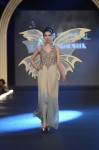 Sonia-Azhar-PFDC-Loreal-paris-bridal-week-2013-day-2 (8)